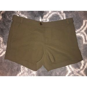 Banana Republic Ryan Fit Army Green Shorts Size 6